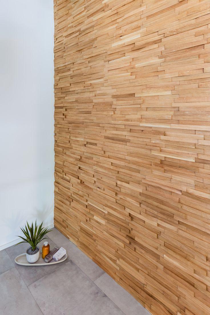 Stakkato – Eiche Altholz original gehackt. Diese Wandverkleidung erzählt Geschichte. Sie schafft in Ihren Räumen ein unvergleichliches, individuelles Ambiente.