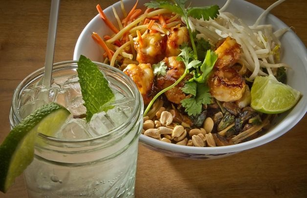 The Norcal Pad Thai with the Fuzzy G drink at Boo Koo Asian Street Food (Mill Valley, CA)