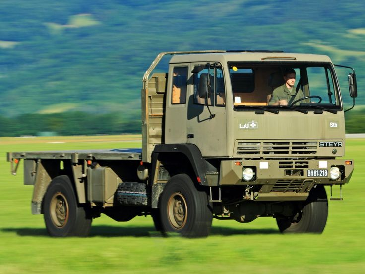 1988 Steyr 12M18