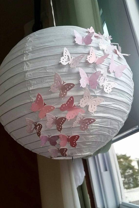 Lanterne suspendue papillon 10 po, Lanterne en papier, décoration fête, décoration d'anniversaire papillon, shower de bébé, Lanterne en papier rose
