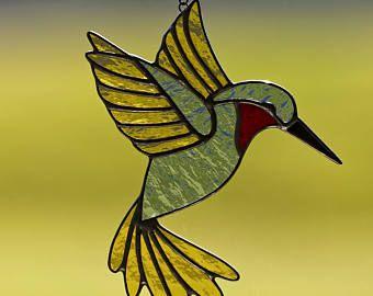 Vetro macchiato giallo e blu suncatcher del colibrì, macchia ornamento dell'uccello ronzio di vetro, vetro colibrì, uccello, piuma
