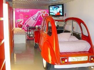 De la voiture au lit rêvé pour enfant il n'y a qu'un pas ! #Citroen #bed #2CV