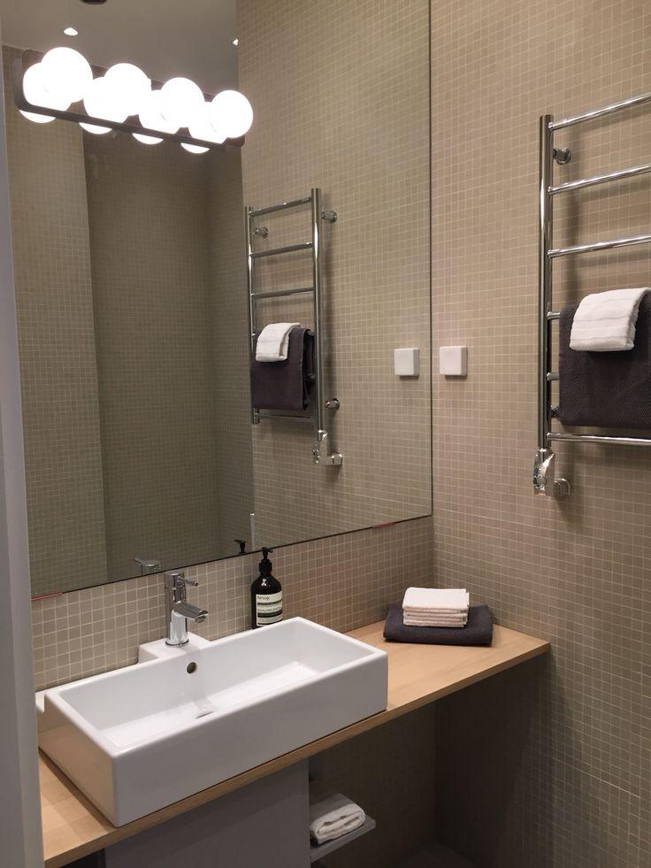 Härliga lugna WC/dusch på övervåningen..