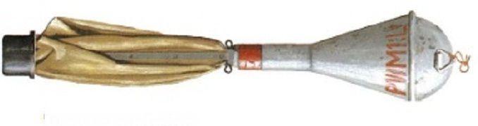 La Panzerwurfmine era una granada con cabeza de carga hueca de pequeño diámetro  Para que al lanzarla contra un blindado enemigo, fuera la cabeza de guerra la que golpeara el blindaje, tenía unas finas varillas que estaban unidas a una tela de forma similar a un paraguas.