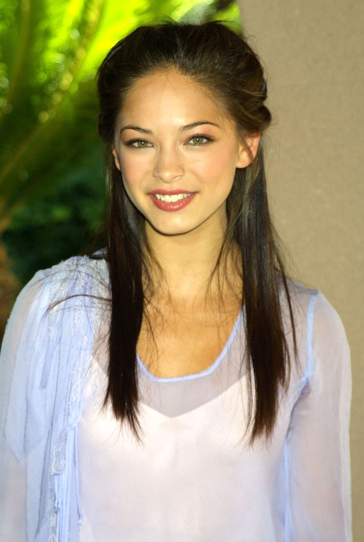 Television Critics Association - Warner Brothers Party - 0001 - Kristin Kreuk Daily |