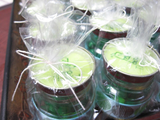 Recycle reuse baby food jars for party favors or gifts i for Baby food jar crafts pinterest