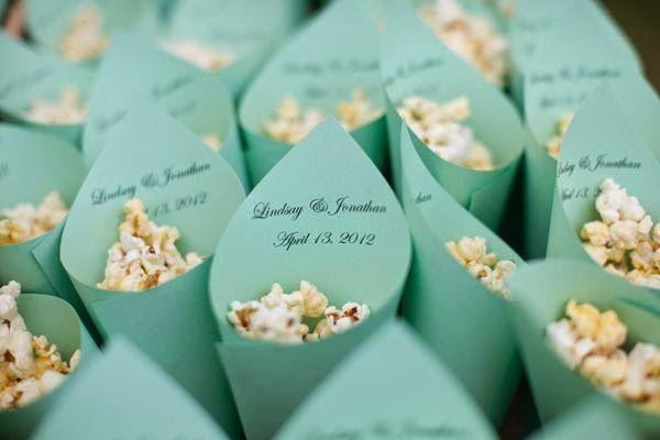 Inspiracion Doble Tutorial de Conos para Petalos | Preparar tu boda es facilisimo.com