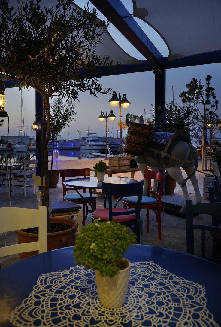 Restaurant Derlicious by Minas Kosmidis