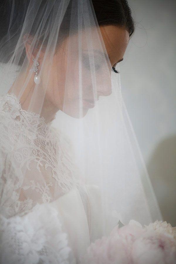 beautiful classic bridal look