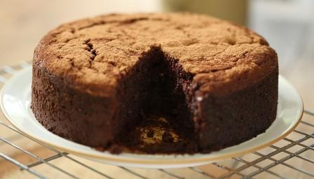 Beetroot chocolate cake (how to bake a red velvet cake, European style -i.e. without any pre-mix). @Angela Benoit