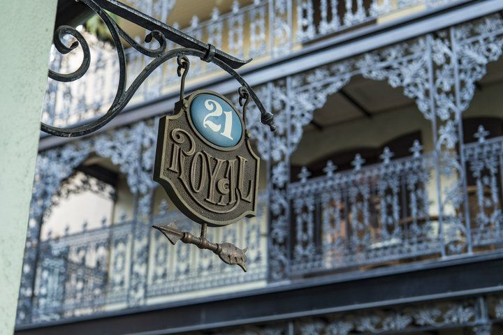 Inside 21 Royal, Disneyland's New Hidden Dinner Experience That Costs $15,000 | The Huffington Post