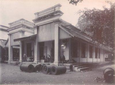 Kantoor van de N.V. De Nederlandsch-Indische Industrie, Fabriek van Stoom- en Andere Werktuigen aan de Kalimas te Soerabaja 1902 -1907