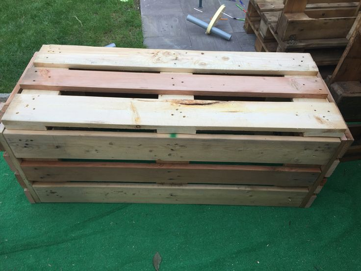 17 best images about design for pallet in the garden on for Cassapanca per giardino