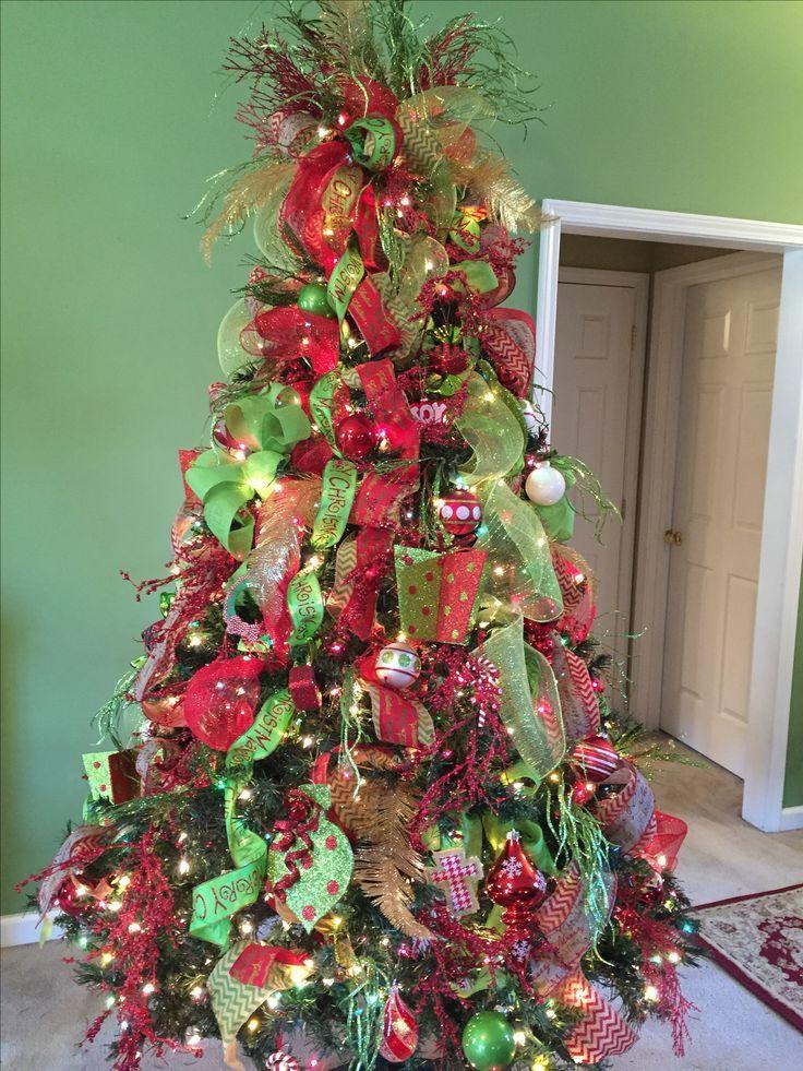 Red And Green Christmas Tree Green Christmas Tree Decorations Green Christmas Tree Red Christmas Lights