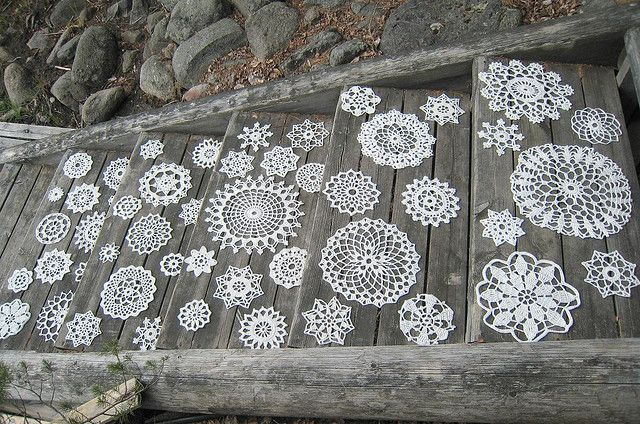 ~white painted doilies on steps - LOVELY: Lace, Craft, Stairs, Inspiration, Doilies, Wedding Ideas, Crochet, Things, Photo