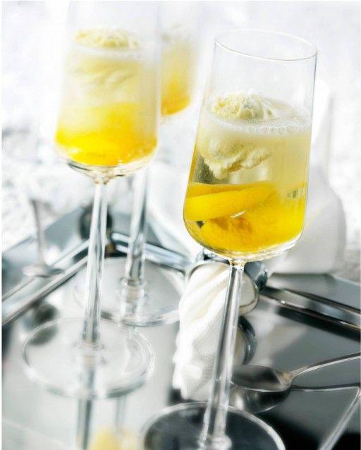 Glamorous champagne-peren spoom