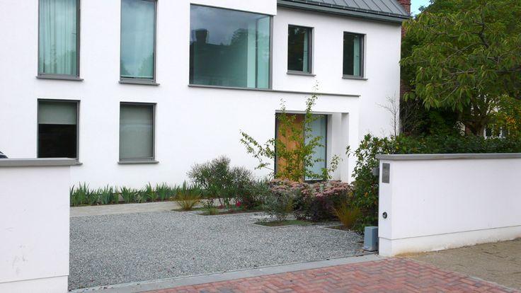 gravel drive, insert borders/planters