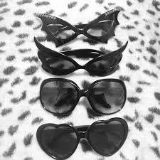 Gothic sunglasses, heart-shaped, cat eyes