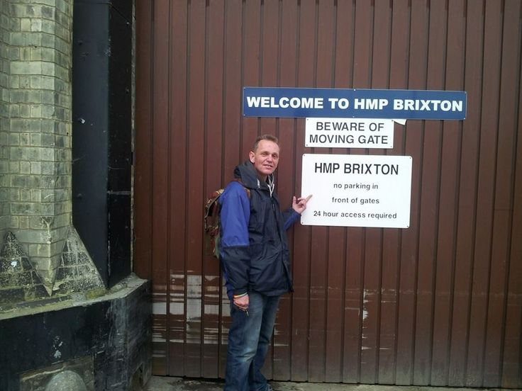 No jail for being a dad! Free Tim Haries protest at Brixton Prison