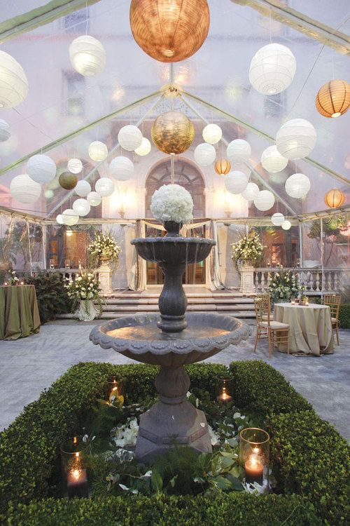 Love the mix on lantern colors ... And fountains...