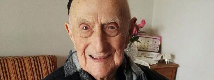 Yisrael Kristal dans sa maison d'Haïfa (Israël), le 22 janvier 2016.Il est l'homme le plus vieux au monde et c'est un rescapé d'auswitch - 112 ans - la femme la plus vieille est américaine (116 ans)