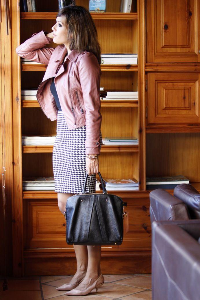 Look #98: A working day http://www.naileechic.com/milookbook/look-falda-pata-de-gallo-perfecto-a-working-day/ #patadegallo #work #ootd
