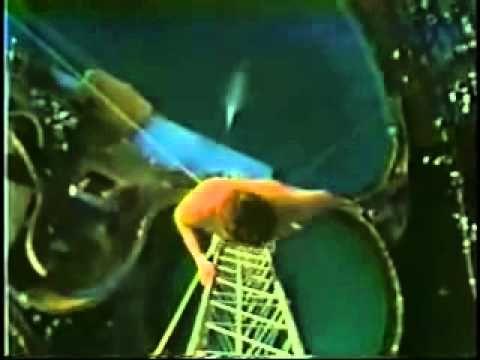 guinnes dei primati incredibile un uomo si lancia in una piscina da 172 ...