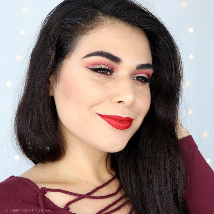 See how I created this incredibly easy Valtnine's Day glitter cut crease eye shadow look! Glam, simple and ready to break hearts.