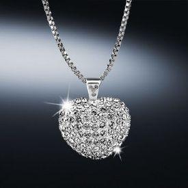 Newbridge Desire Heart Pendant €59 . www.standun.com