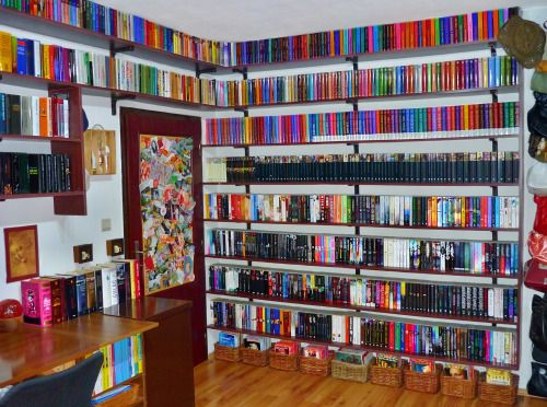 Want, no need book organization like this. So Jellie. :-) <3 <3 <3