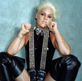 """Ouça prévia de """"Waterfall"""", parceria de Sia e Pink com produção de Stargate #Disponível, #Grupo, #Hit, #M, #Música, #MúsicaPop, #Noticias, #Novidade, #Novo, #NovoSingle, #Pop, #Rihanna, #Single, #Spotify, #Status, #Twitter http://popzone.tv/2017/03/ouca-previa-de-waterfall-parceria-de-sia-e-pink-com-producao-de-stargate.html"""