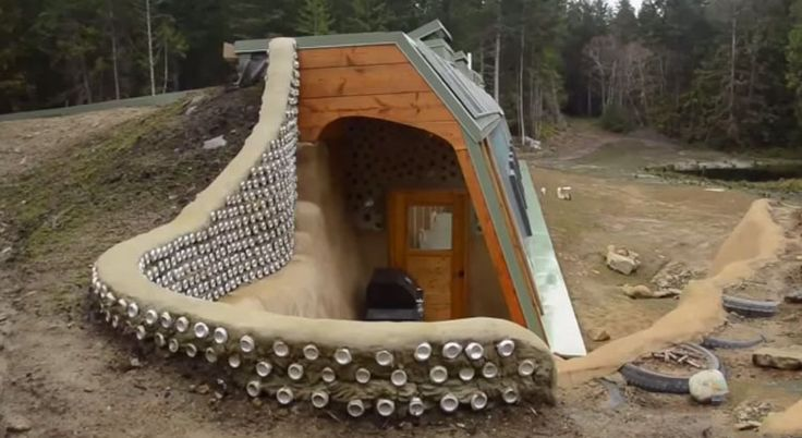 Off The Grid: Living off land hour from Vancouver