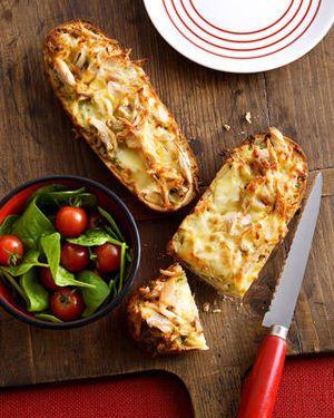 Pizzabroodjes met kip en pesto