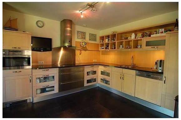 25 beste idee n over betegeld terras op pinterest - Idee outs semi open keuken ...
