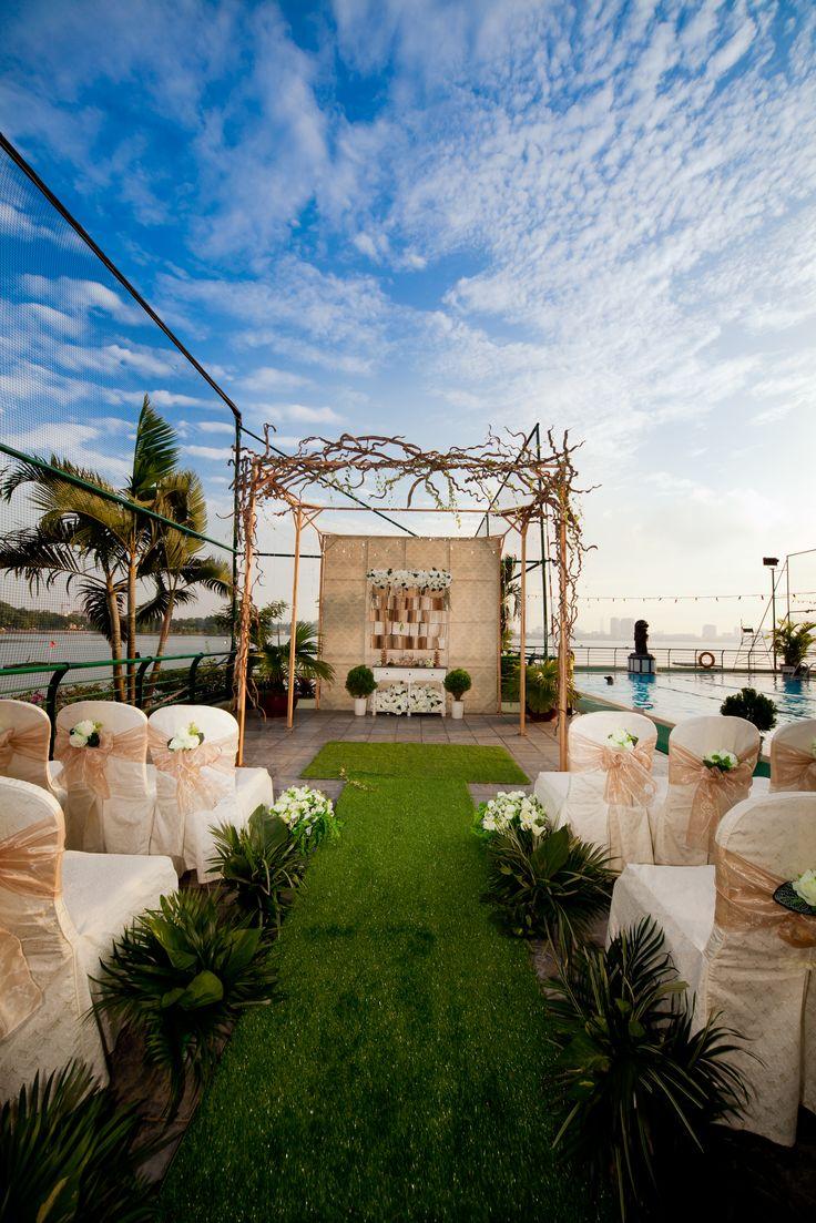 Đám cưới Lãng mạn bên bể bơi!