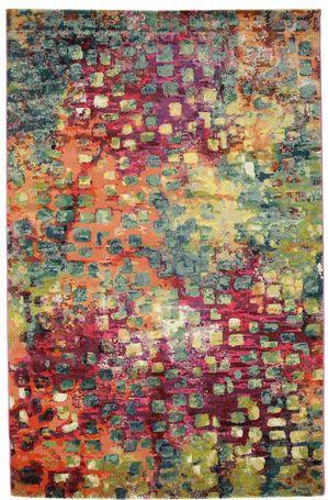 Disse moderne teppene finnes i en rekke forskjellige størrelser og mønstre, og utgjør et vakkert blikkfang i hjemmet.Teppene er laget av et syntetisk ullmateriale med tekstilegenskaper.