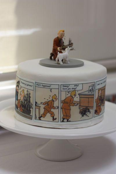 'In Alfie's Room: A Truly Fabulous Tintin Party' said previous pinner • Tintin cake • Tintin gateaux