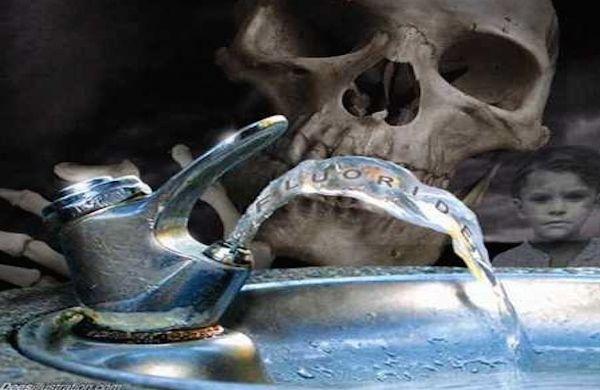 """Jak Ministerstwo """"Zdrowia"""" dba o nasze zdrowie – pasty do zębów"""