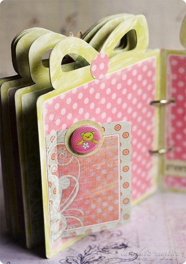 album w kształcie prezentu   http://www.hurt.scrap.com.pl/baza-do-albumu-w-ksztalcie-prezentu.html