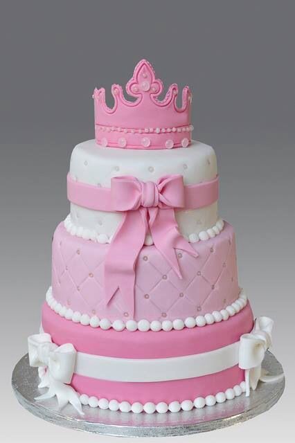 Pink princess cake how about this for Emma?Only one tier ...