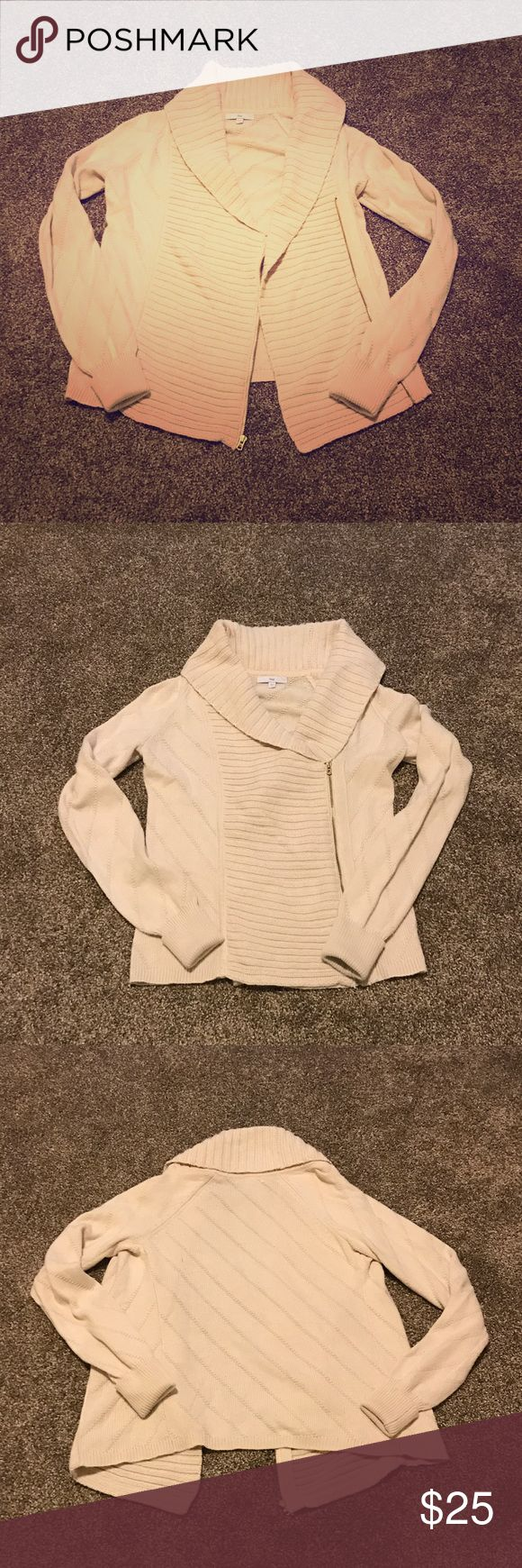 GAP Sweater Jacket Cream colored sweater jacket from The GAP retail store (not the outlet). Size small. Can be worn unzipped as a loose flowy jacket, or zipped up for more of a true sweater feel. 80% cotton, 20% acrylic. GAP Sweaters
