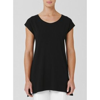 Mela Purdie Eclipse Tank The elongated line on this top gives perfect coverage over the hip and bottom with a soft curved hem. Its soft curved neck line and cropped raglan sleeve give it city chic. Wear back with a slim line pant for a streamlined silhouette. #melapurdie  #redworks