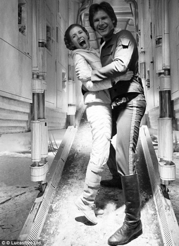 Amazing Behind the Scenes Pictures from Star Wars, 1977 Harrison Ford and Carrie Fisher