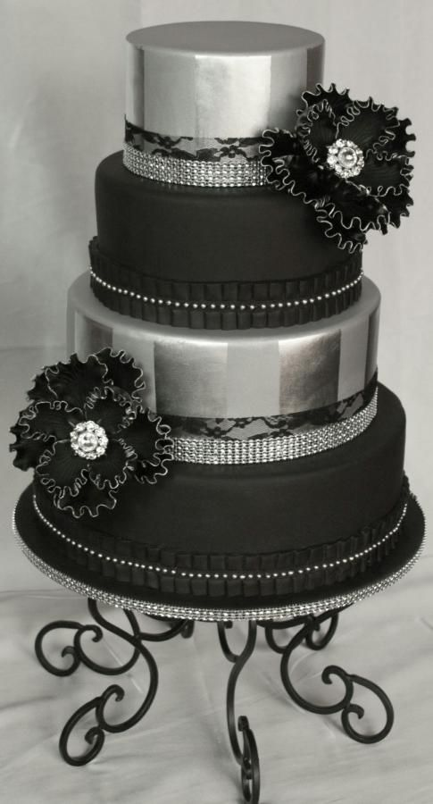 pictures of black and silver wedding cakes 17 best ideas about black silver wedding on 18390