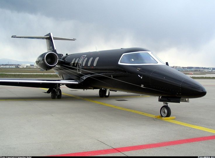 Private Jets For Rent >> Photos: Learjet 40 Aircraft Pictures | Airliners.net | Private jet, Private plane, Airbus ...