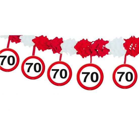 70 jaar slinger met stopborden 4 meter. Papieren slinger met onderhangende verkeersborden voor de 70e verjaardag. Het formaat van de papieren 70 jaar slinger is ongeveer 4 meter.