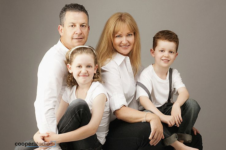 it's great to capture family photos with Cooper Studio while the kids are young!
