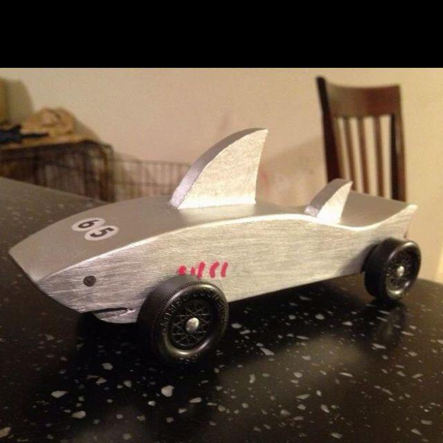 shark pinewood derby car