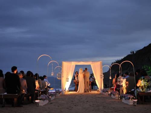 Brasil: Casamento realizado na praia das caravelas, na APA Pau Brasil