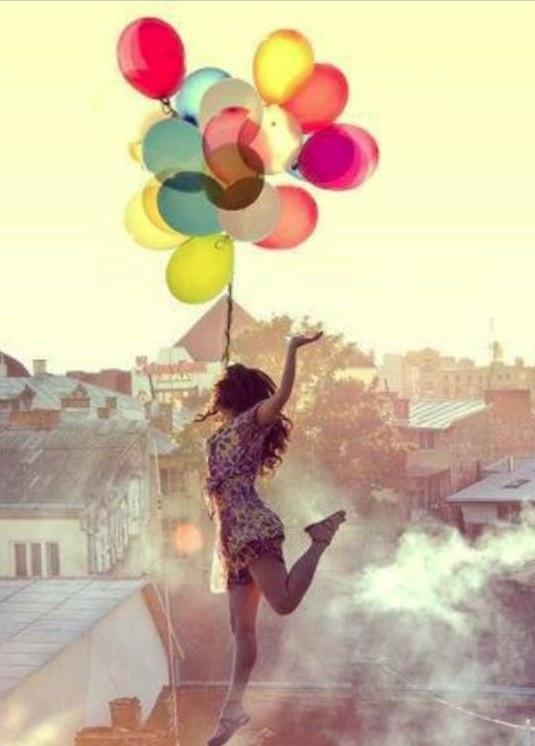 lichtgebruik en compositie. prachtig gevoel. kleur overloop in de ballonnen